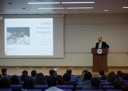 World Bank Expert Discusses Economic Forecast for Armenia in 2013