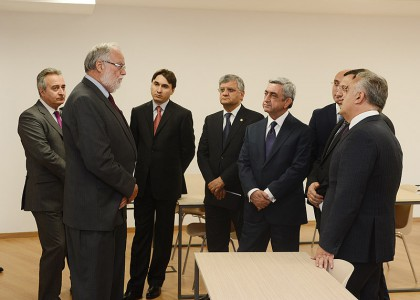 AUA Receives Republic of Armenia President Serzh Sargsyan at Central Bank Educational and Research Center