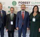 (l-r) Ashot Ghazaryan, Randall Rhodes, Nikol Pashinyan, Jeanmarie Papelian