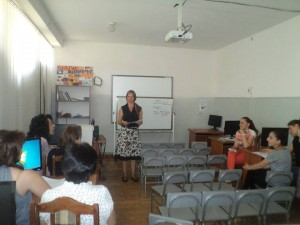 English Teacher Training Introduces New Teaching Methods to Local Schools