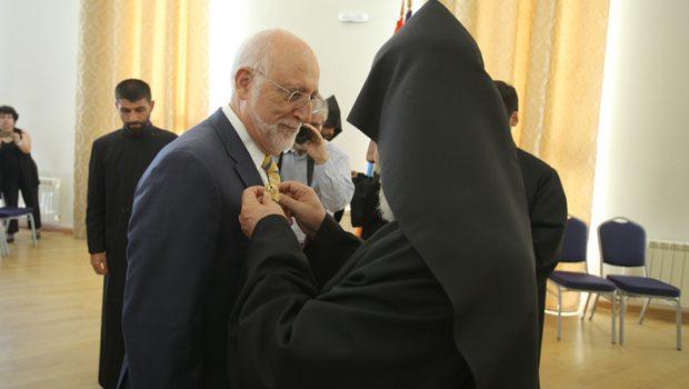 Dr. Armen Der Kiureghian Receives St. Sahak-St. Mesrop Medal
